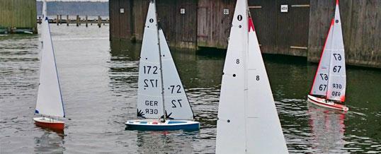 Modellbootsegler trotzen Wind und Kälte